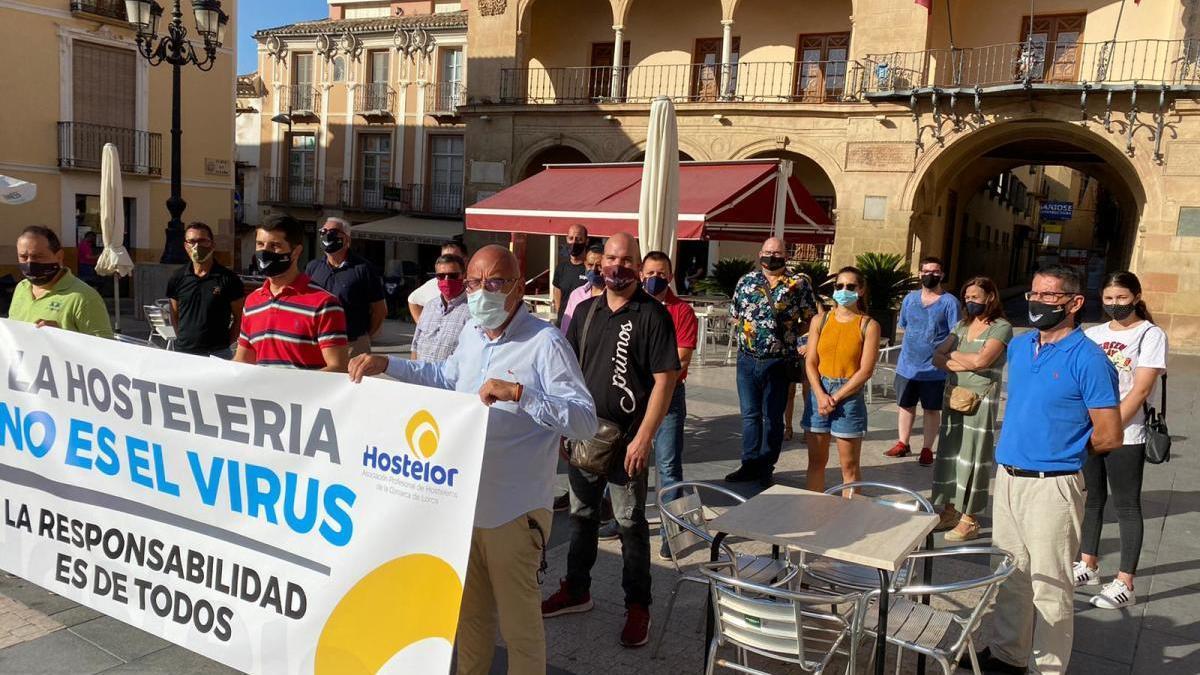 Los concentrados eran hosteleros, proveedores y trabajadores de este sector de Lorca y Puerto Lumbreras.