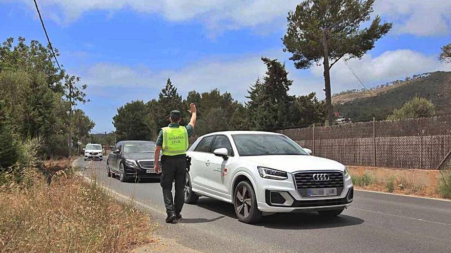'Macrodispositivo' policial contra los 'taxis pirata' en Ibiza