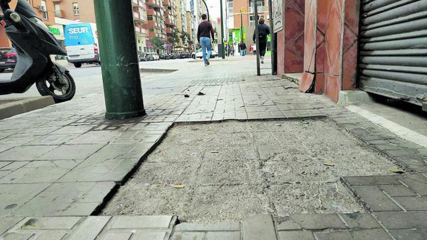 Las 'baldosas amarillas' de  la calle Héroe de Sostoa