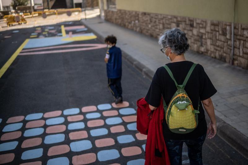 Comienzan a pintar el mural de Heraclio Sánchez