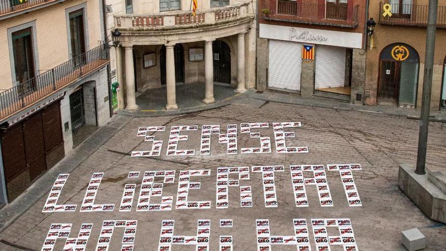 Òmnium Cultural es mobilitza per reclamar la llibertat dels presos polítics