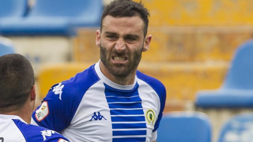 El delantero del Hércules Benja Martínez celebra su gol del domingo, que supuso la trascendental victoria ante el líder Ibiza (1-0)
