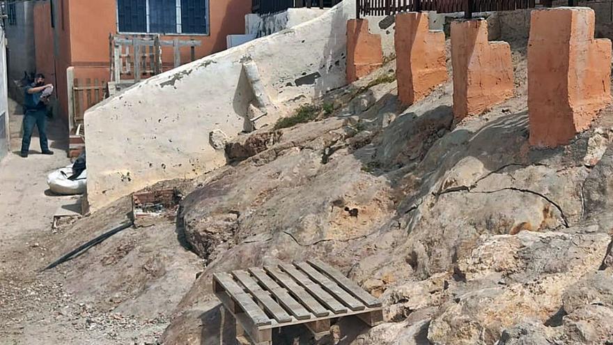 Obras ilegales en primera línea en La Algameca