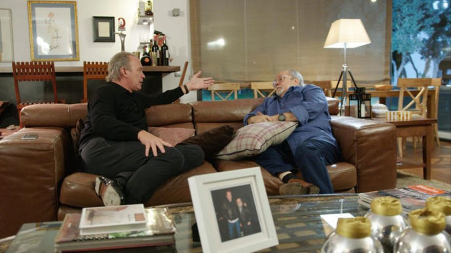 Bertín y Arévalo firman la pipa de la paz en 'Mi casa es la tuya'