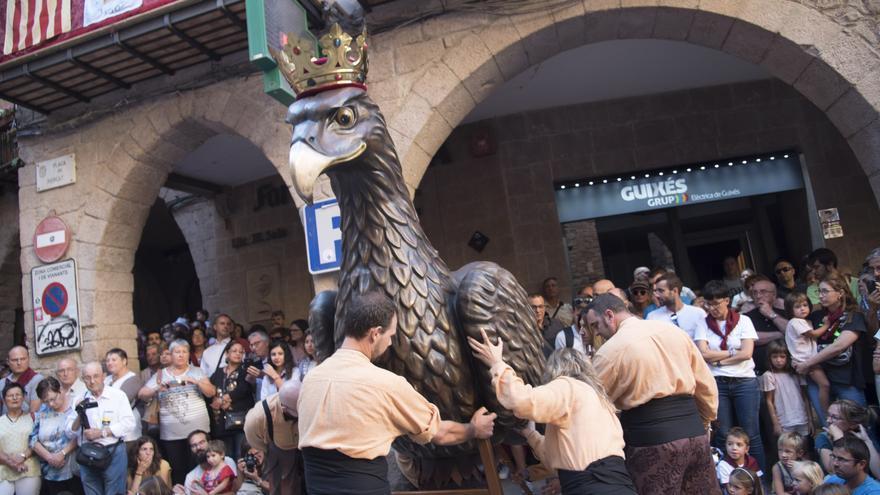 L'Àliga de Cardona ballarà per als col·lectius a primera línia contra la covid i en record de les víctimes
