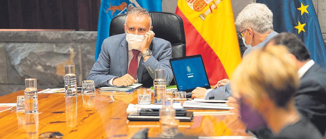 El presidente Ángel Víctor Torres durante el Consejo de Gobierno.