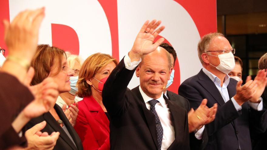 Elecciones en Alemania | Los socialdemócratas aventajan por la mínima al partido de Merkel
