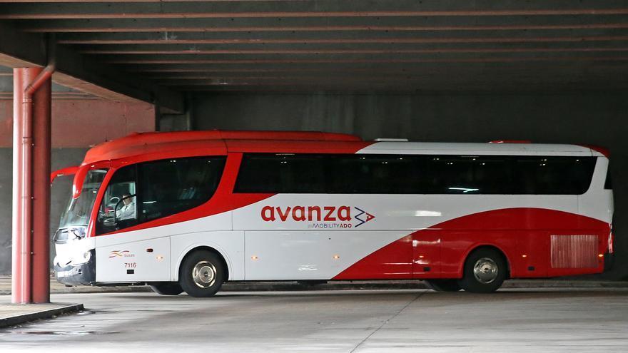 CC OO denuncia que Galicia cuenta con una única frecuencia de autobús para viajar a Madrid