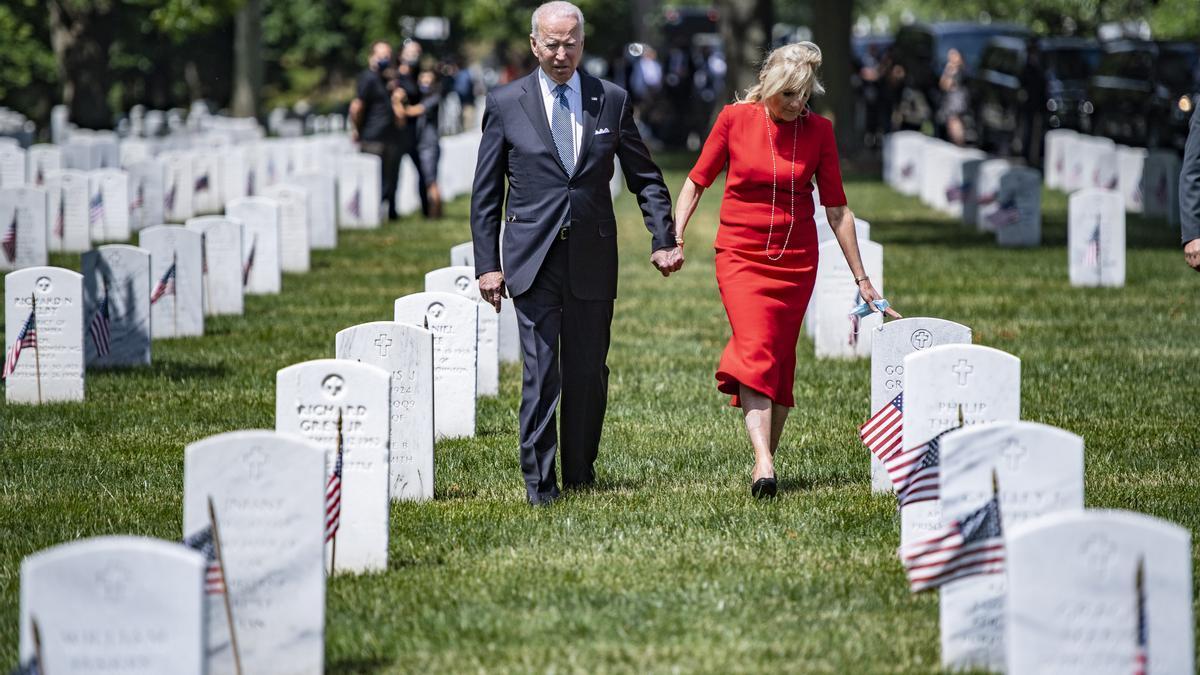 Joe Biden y Jill Biden durante el Memorial Day.