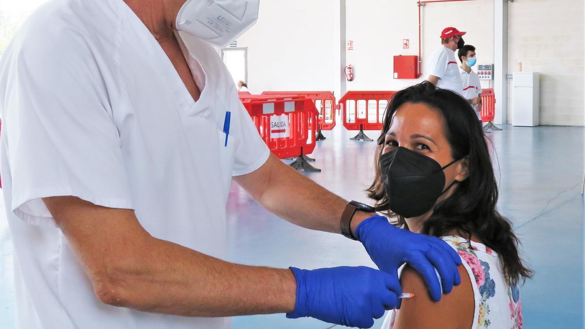 Vacunaciones masivas de este martes, en el Pabellón Multiusos