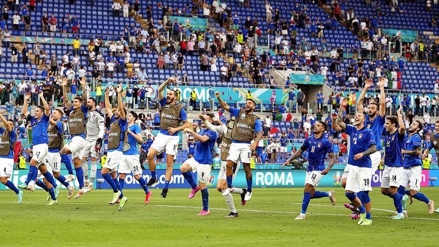 Italia pasa a octavos con un pleno