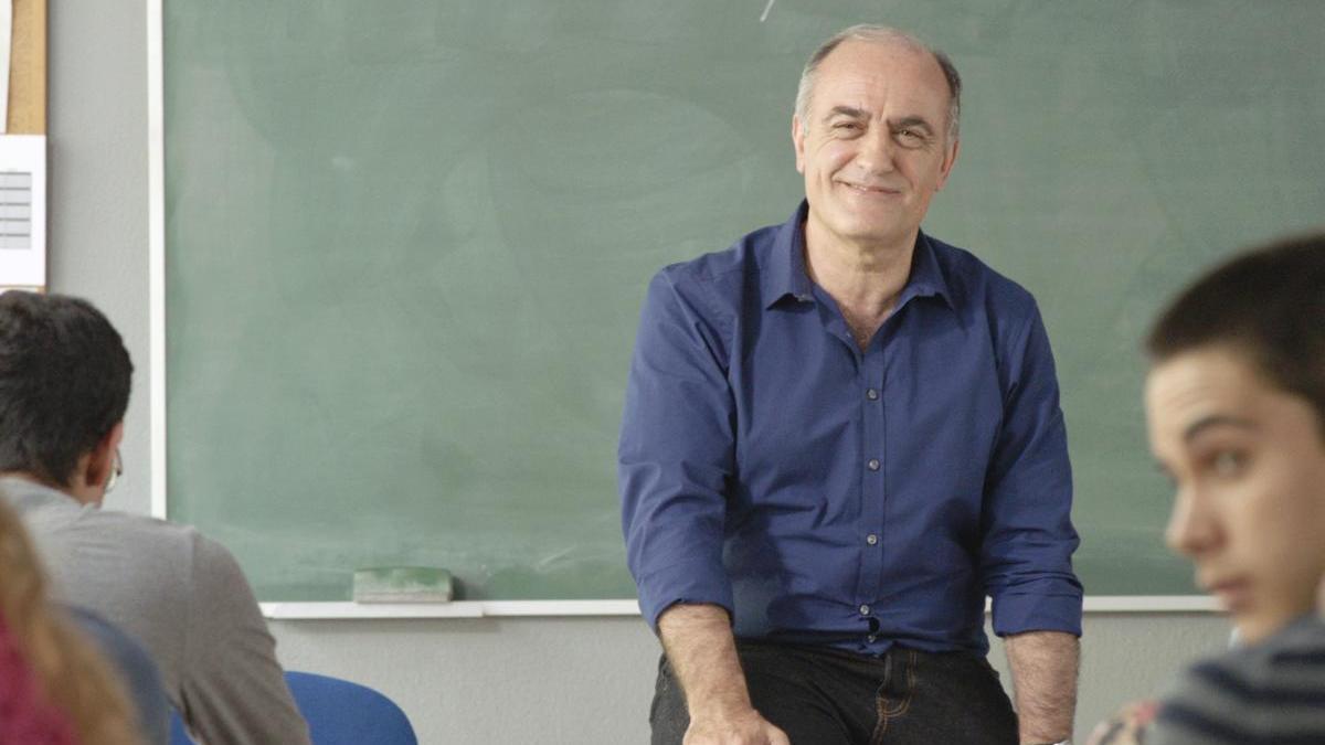 Fotograma de la serie protagonizada por Francesc Orella.
