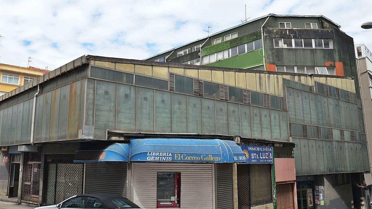 Mercado de Santa Lucía, que albergará también el centro de salud de A Falperra.