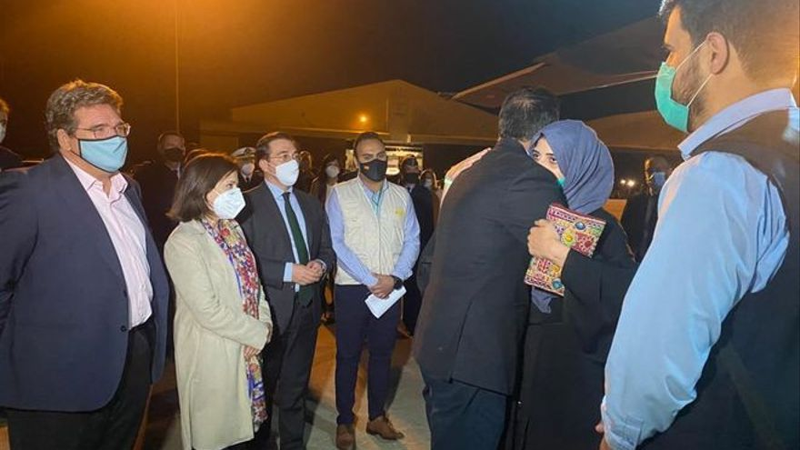 Unos 85 refugiados afganos llegan a Madrid