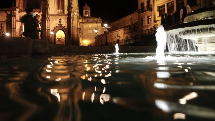 La plaza de la Catedral ve la luz
