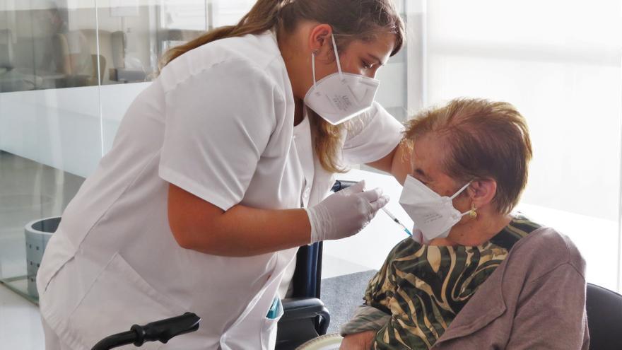 Este miércoles comienza la vacunación con la tercera dosis a la población mayor de 70 años de Monesterio