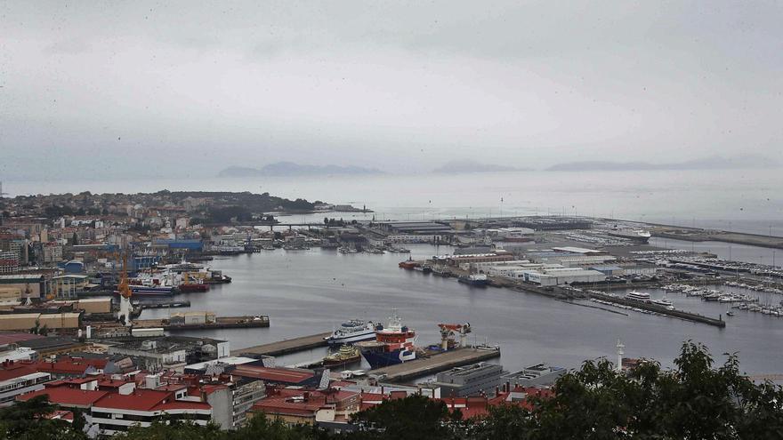 El Puerto ataja los plásticos de la ría: colabora con la ESA y activará campañas de recogida y limpieza