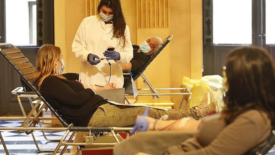 Més de 100 donants de sang el primer dia de la Marató