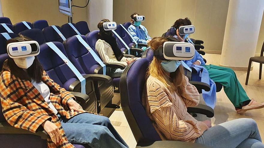 Professionals del Trueta es formen per a la COVID-19 amb realitat virtual