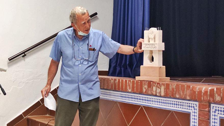 Un monolito en Fuente Carreteros rendirá tributo a la memoria democrática
