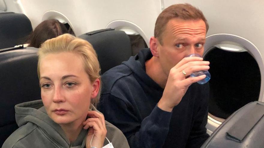 La esposa de Navalni regresa a Alemania