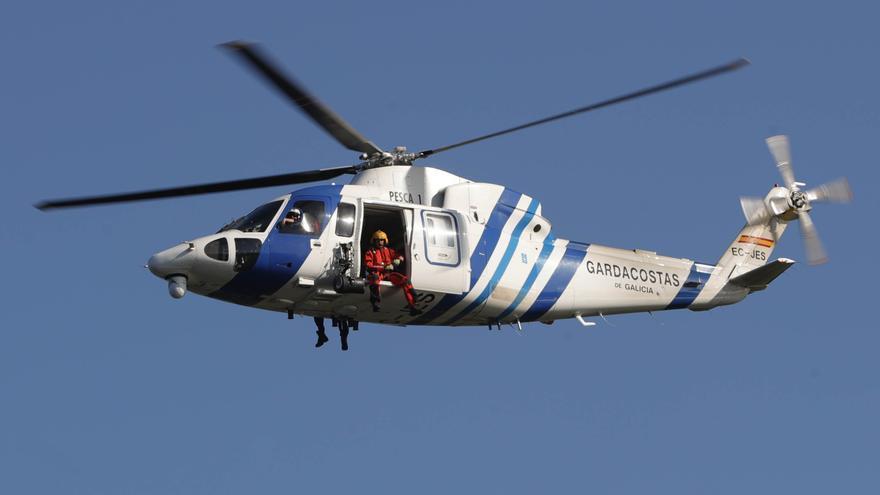 Fallece un hombre tras caer al mar mientras se encontraba en una lancha en O Vicedo (Lugo)