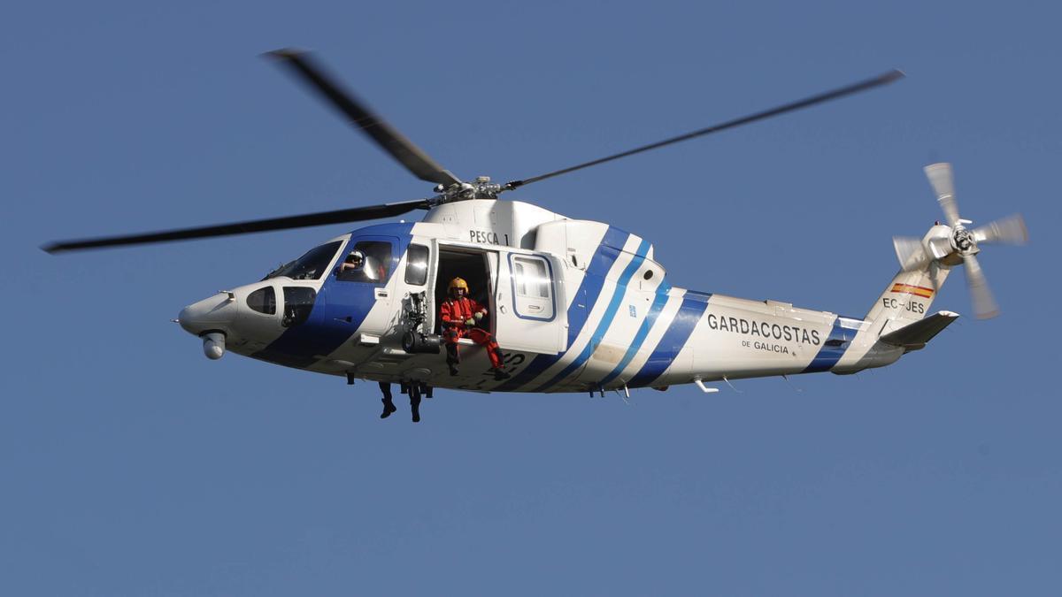 Un helicóptero de Gardacostas de Galicia en una imagen de archivo de 2019
