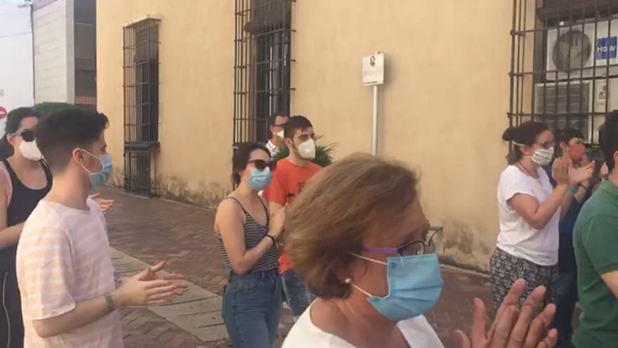 Minuto de silencio y aplauso en Almendralejo por las víctimas del coronavirus