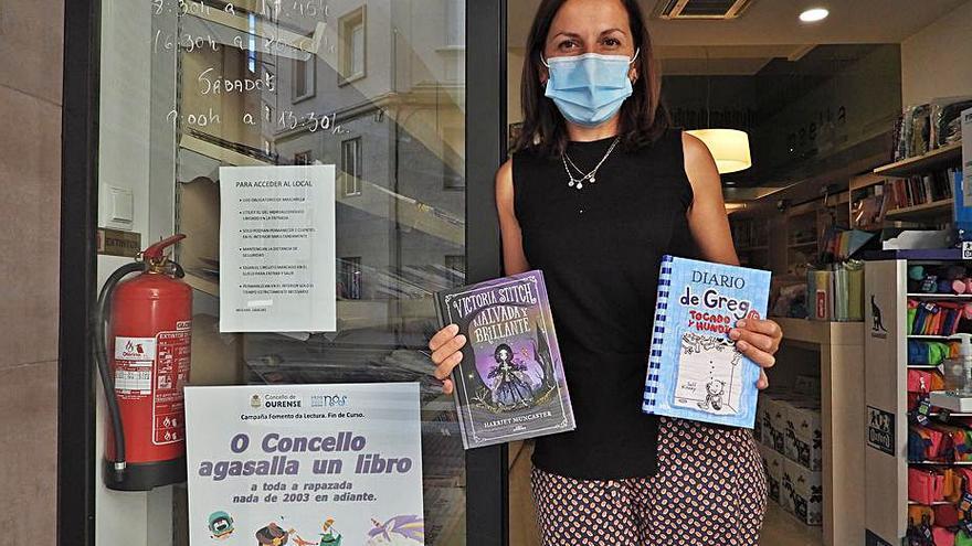Más de 6.000 niños ya tienen su libro regalo del Concello