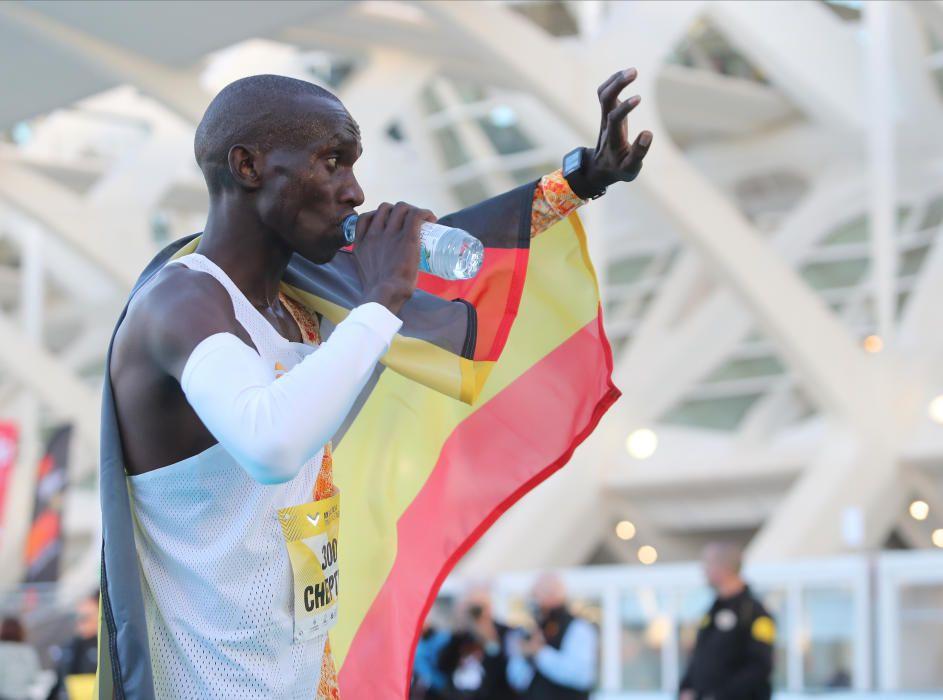 El ugandés en su llegada a la meta en el Maratón V