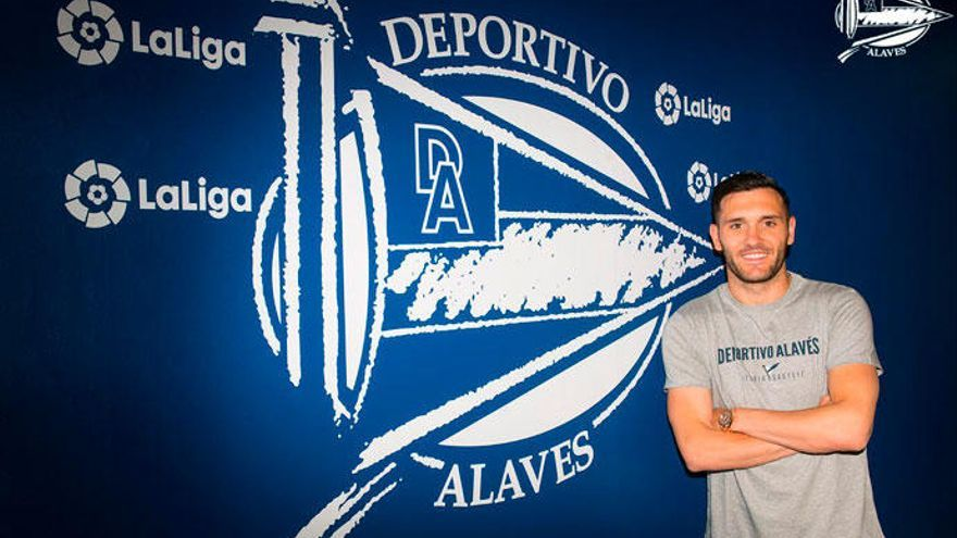 Lucas Pérez ficha por el Alavés para las tres próximas temporadas