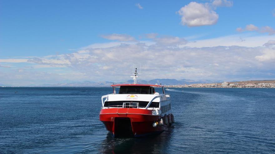 El Mitma autoriza reanudar las conexiones marítimas turísticas entre Alicante y Tabarca