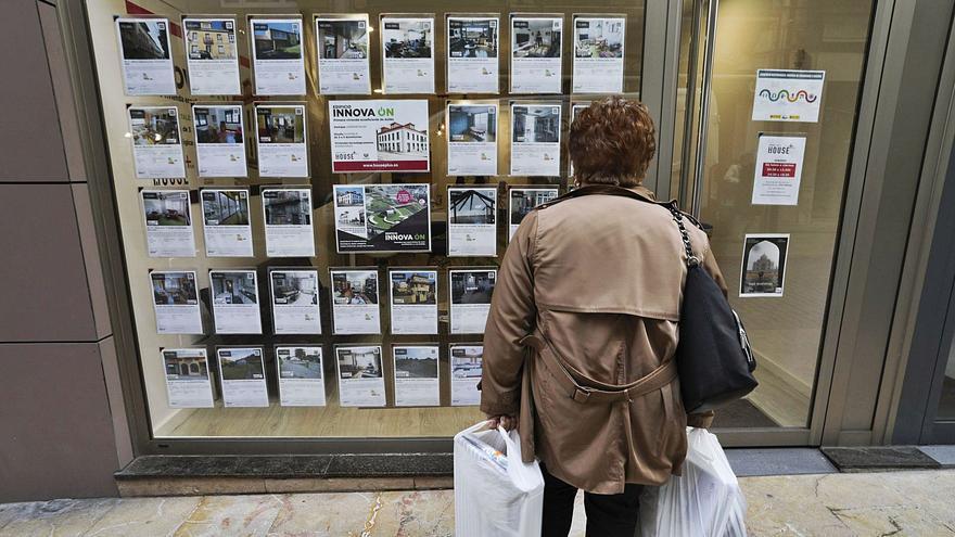 Así se vive en el piso de alquiler más barato de Oviedo: 270 euros por 52 metros cuadrados