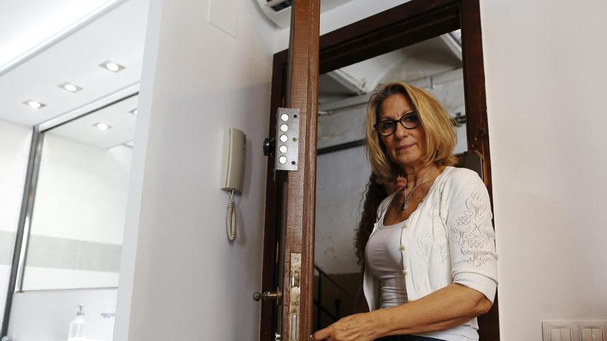 Una barcelonesa ocupa su propio piso tras alquilarlo por Airbnb a su inquilino