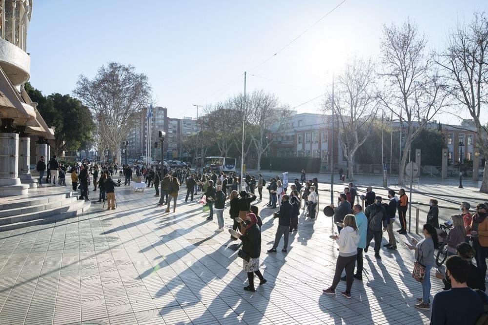 Manifestación de hosteleros en la Asamblea Regional