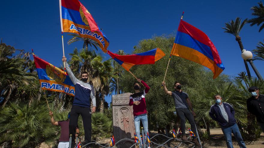 La comunidad armenia en la provincia alza su voz contra el conflicto en Nagorno Karabaj