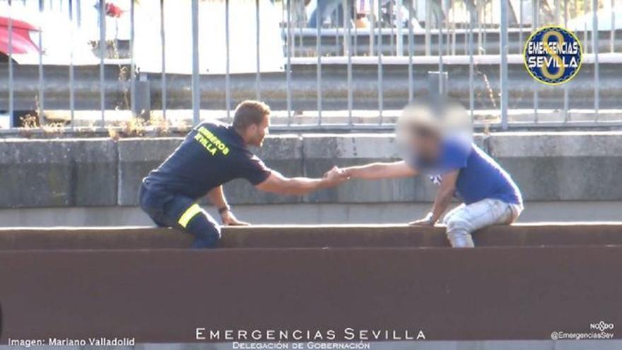 Antonio, el bombero que evitó que un hombre se suicidara