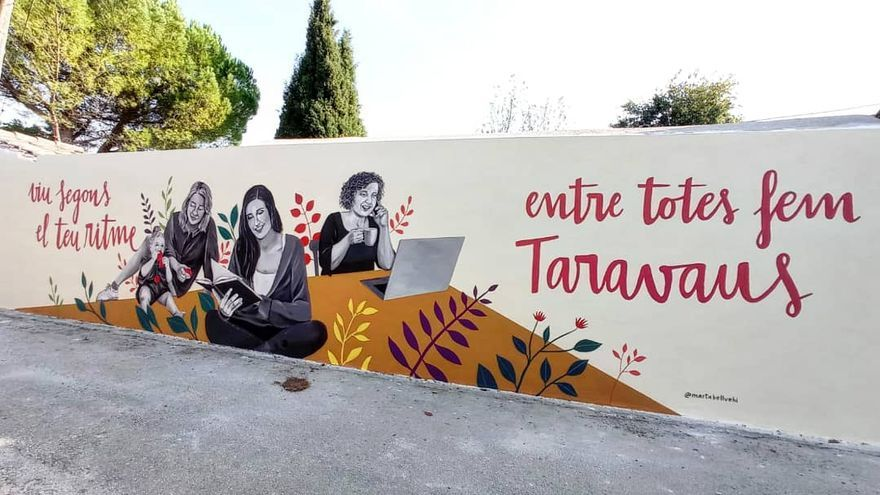 Taravaus estrena un mural que posa en valor el paper de la dona actual