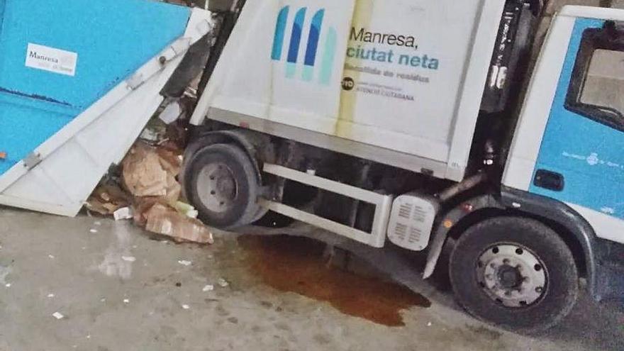 La CGT denuncia el poc manteniment de vehicles del servei de neteja