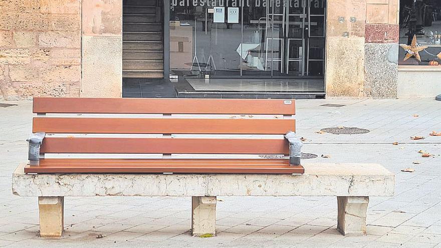 Nuevos bancos adaptados en Llucmajor