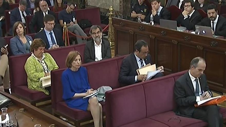 Sànchez, Turull y Rull piden al TC su libertad en base a la decisión belga sobre Puig