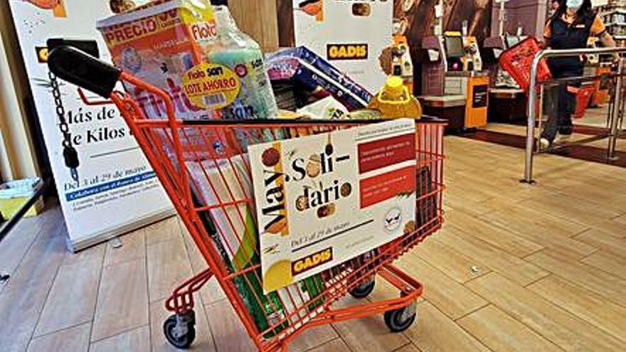 Gadis y sus clientes donan a once bancos de alimentos 177 toneladas de productos