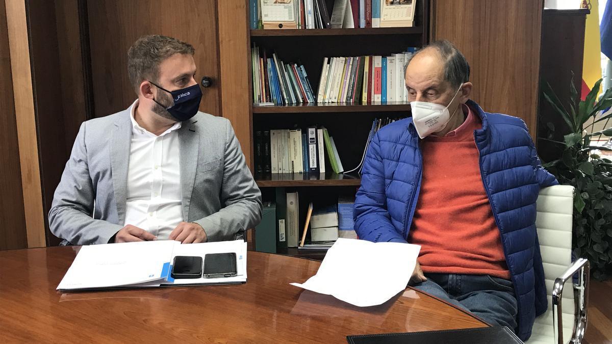 El delegado de la Xunta en A Coruña, Gonzalo Trenor, hoy junto al presidente de la Federación Provincial de Comercio, Miguel Agromayor
