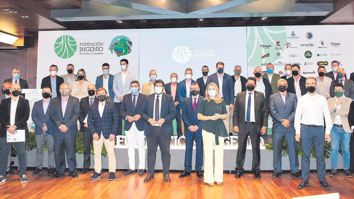 Fundación Ingenio celebró ayer un acto institucional con motivo de su primer aniversario y en el que se entregaron los premios de esta primera edición.