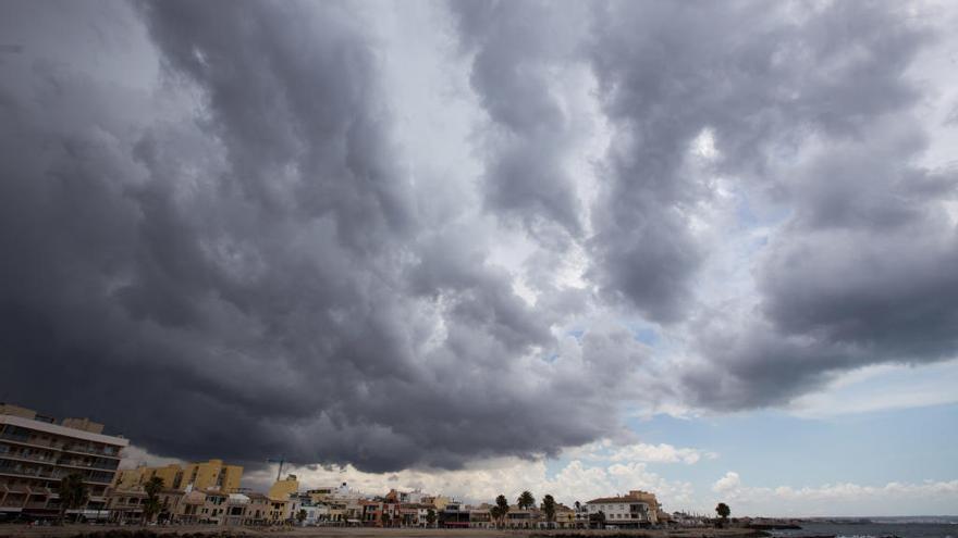 Cielos cubiertos y temperaturas estables hoy en Baleares