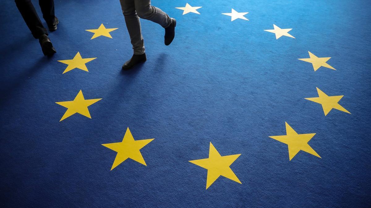 Alfombra con la bandera europea.