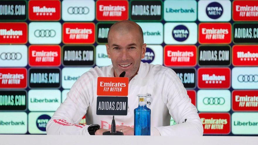 Zidane lidera la expedición blanca a Pamplona