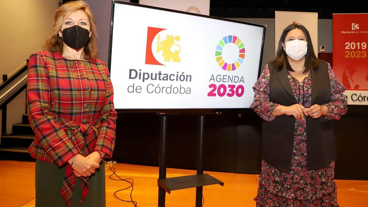 Ana María Romero y Dolores Amo.