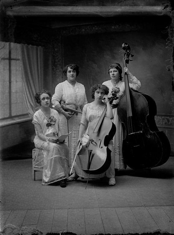 Foto de estudio del Archivo Pacheco.