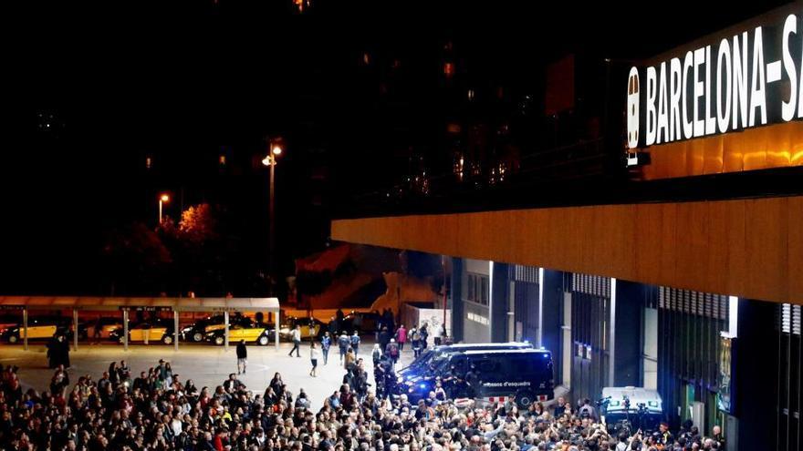 La Audiencia de Barcelona no ve violencia en el corte del AVE el 8N y archiva la causa